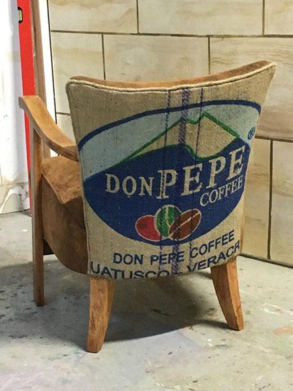 Le Fauteuil d'Ivoire   Fauteuil Rénové dans le style des années 50 Tissu de chez Casal et dos en sac à café